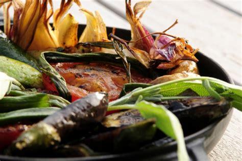 domaine de la coquillade 404 cuisine d 233 tox apr 232 s les f 234 tes gastronomie v 233 g 233 ratienne