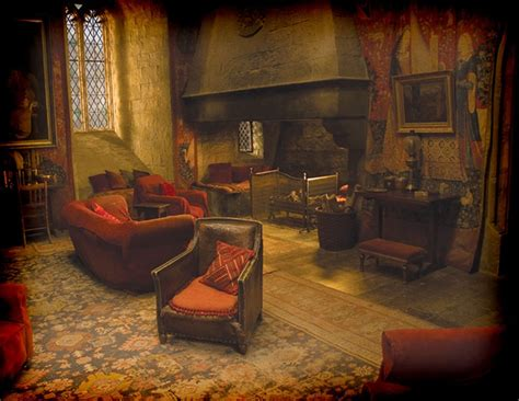 gryffindor common room gryffindor common room harry potter room ideas