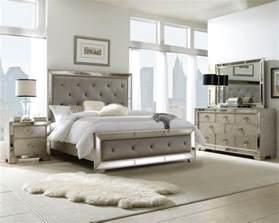 Pulaski Furniture Accents Display Cabinets Bedroom Pulaski Bedroom Sets