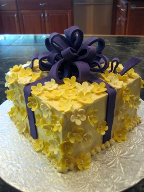Soft Yellow And Purple Cake Yellow Purple Cake