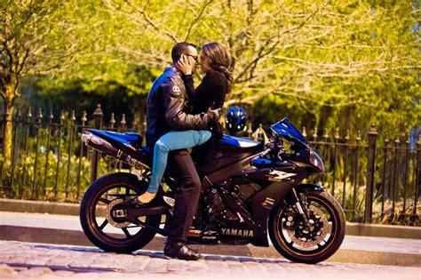 Motorrad Kuss by On Motorcycle Biker Couples