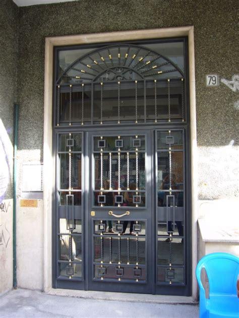 portoni d ingresso in ferro realizzazione portoni e portoncini di ingresso in ferro