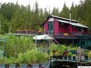 Small Home Vancouver Island Freedom Cove B C Float Home Is A Whole New Level Of
