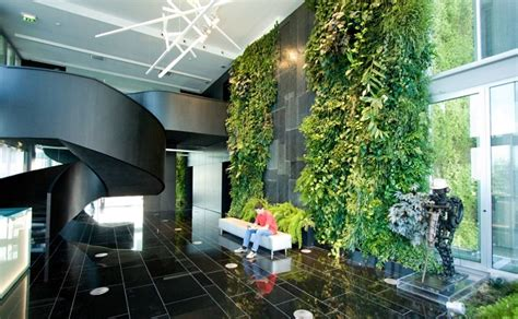 how much do vertical gardens cost in 2018
