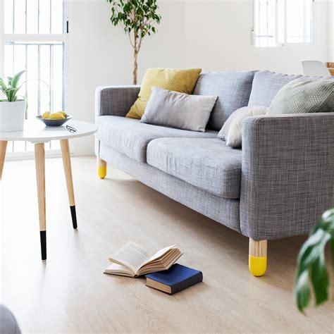 lloyd amarillo  patas de madera  sofas  estanterias patas de madera patas de