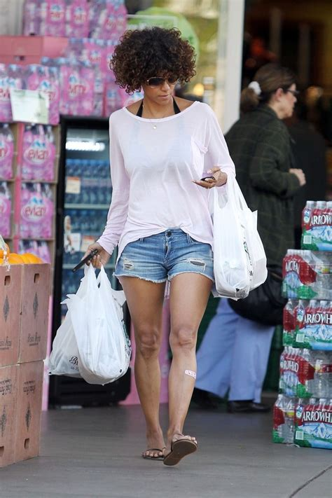 Halle Berry Gets On Knees For A by Halle Berry Photos Photos File Photo Knobbly Knees