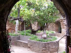 erdkabel garten amazing forestiere underground gardens were carved