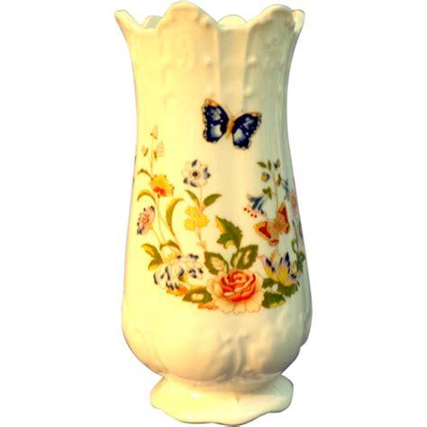 Aynsley Bone China Cottage Garden Aynsley Bone China Vase Cottage Garden Pattern