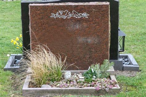Moderne Grabgestaltung Mit Kies 3588 by Grabgestaltung Ideen F 252 R Jede Jahreszeit Und Feiertage