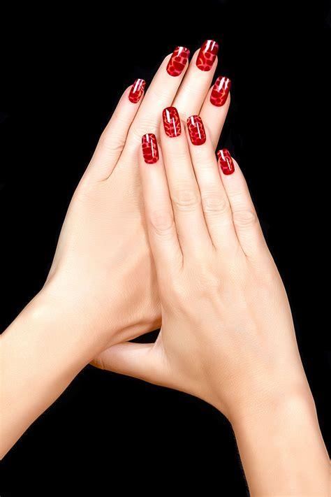 fotos de uñas pintadas hermosas 时尚美甲的手部高清图片 素材中国16素材网