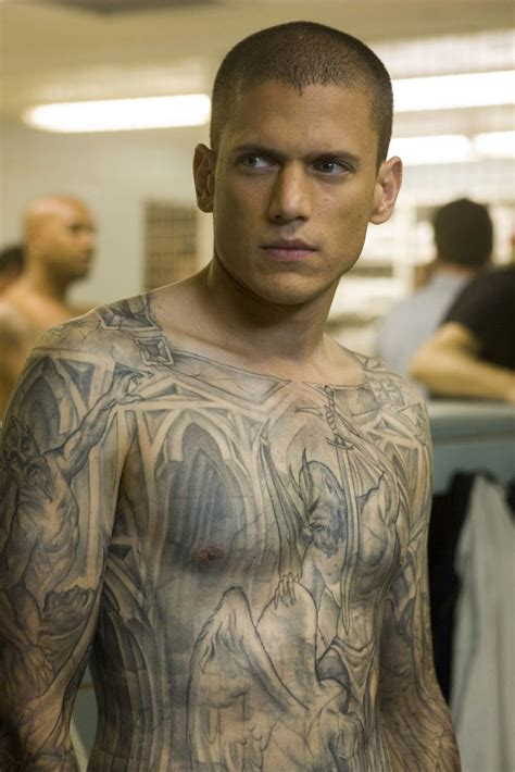 mike miller tattoos prison s michael scofield is back and his tattoos