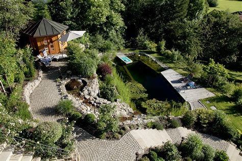 Aménagement Jardin En Pente Forte 3511 by Jardin En Pente Raide Finest Mur Gabion Dans Le Jardin
