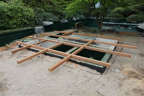 Runde Holzterrasse Bauanleitung 4315 by Schwimmteich Mit Holz Den Teich Im Garten Erg 228 Nzen