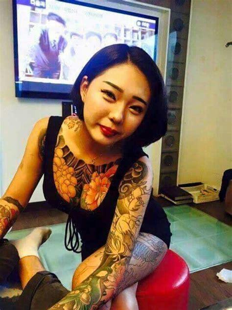 yakuza tattoo lady 1665 best irezumi women images on pinterest irezumi