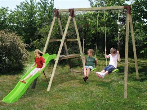 Installer Une Balancoire En Bois by Installer Portique Jeux Jardin Balan 231 Oire Jardin