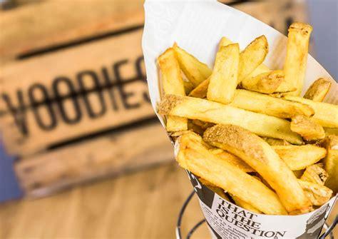 burger essen vorarlberg voodies belgische pommes und vegane burger a list