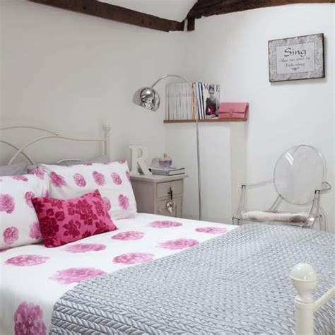 pink floral bedroom ideas pink floral bedroom traditional bedrooms 10 decorating
