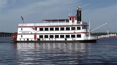 boat cruise fort myers cruise along the caloosahatchee with fort myers oldest