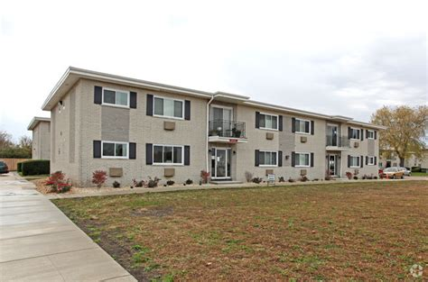 one bedroom apartments in dekalb il high meadows apartments rentals dekalb il apartments com