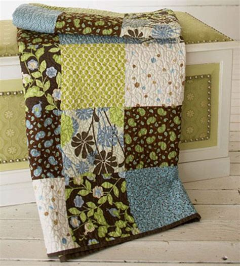 Easy Big Block Quilt Patterns Free by Free Quilt Patterns For Bed Size Quilts And Throws