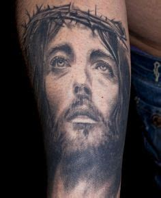 jesus tattoo on his thigh christian tattoo images designs