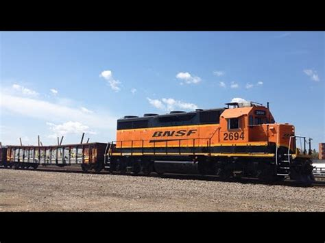 backyard auto winnipeg bnsf 2694 pulling cars out of fort rouge yard eastbound
