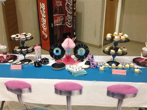 50 theme decorations 50 s theme cupcakes cupcake ideas for you
