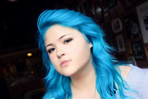 Manic Panic Lified Voodoo Blue Murah using splat on unbleached hair hairstylegalleries