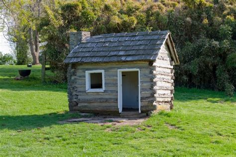 super small homes super tiny log cabin tiny house pins