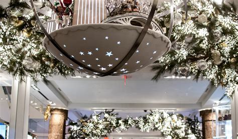 residential holiday decor installation sarasota t corporate and retail holiday decor beneva flowers gifts