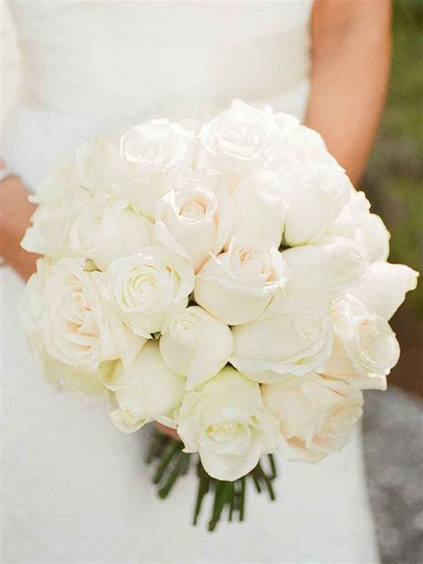 white wedding flowers 20 white wedding bouquet ideas