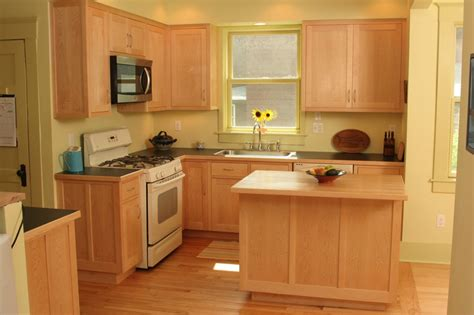 is maple wood good for kitchen cabinets beautiful maple kitchen cabinets wood derektime design