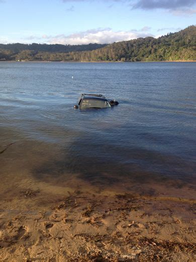 boat salvage laws australia underwater salvaging retrieval of submerged vessels