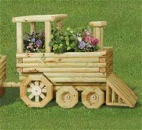 Landscape Timbers Tractor Tractor Planter Yard And Garden
