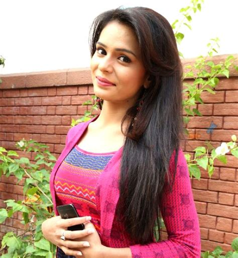 shastri sisters sonal vengurlekar robbed on the sets of shastri sisters