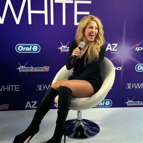 Shakira au lancement européen de Oral B 3D White