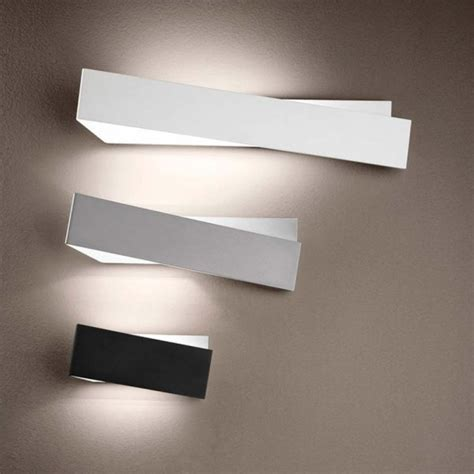applique linea light linealight zig zag lada da parete design di linealight