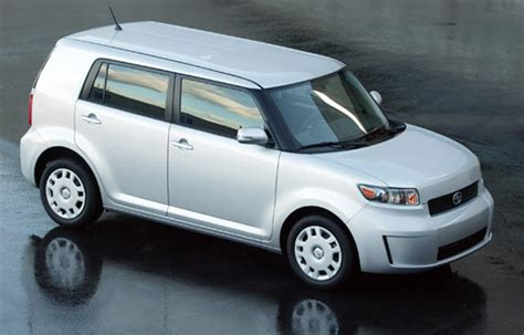 nissan cube vs toyota scion xb