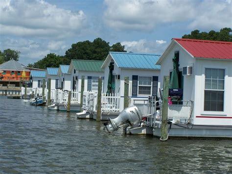 house boat living small houseboat living deltaville vignettes aqua lodge