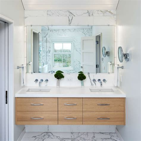 Simple Bathroom Lighting Ideas For Small Bathrooms With Pictures Decolover Net by Bathroom Lighting Ideas For Small Bathrooms Ylighting