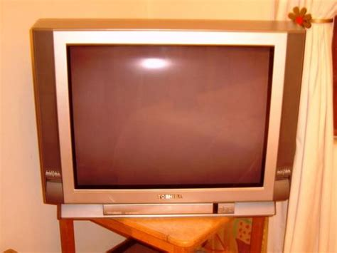 Tv Toshiba Bomba standard crt grey toshiba bomba television tv was sold for r499 00 on 8 dec at 13 45 by