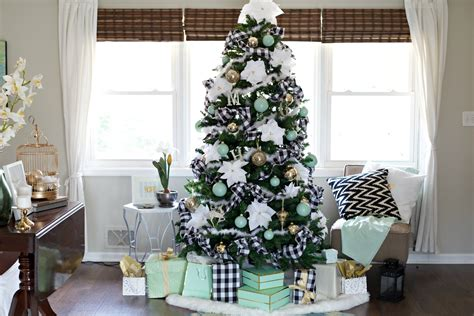 best christmas decor on a budget easy decorating ideas for pennies