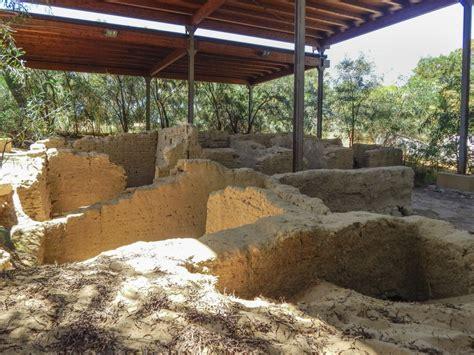 Geländerhöhe by Area Archeologica Bosco Littorio Emporio Greco Di Gela