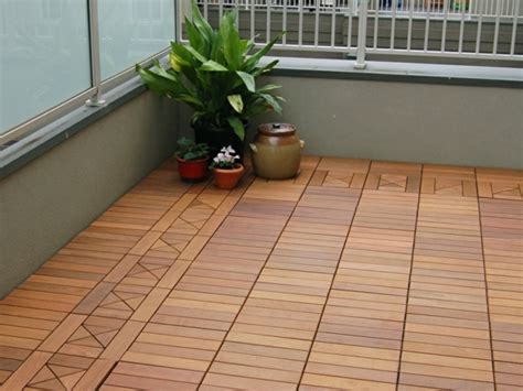 terrasse holzfliesen terrasse und balkon holzfliesen ideen und andere bodenbel 228 ge