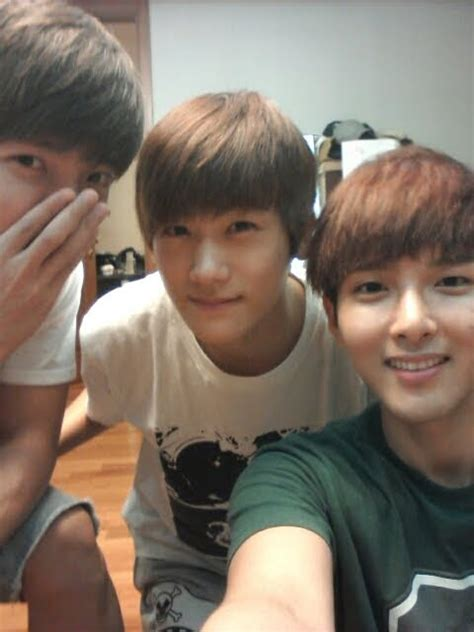 kim taehyung y sus hermanos is heechul jealous of ryeowook and ze a hyungsik s