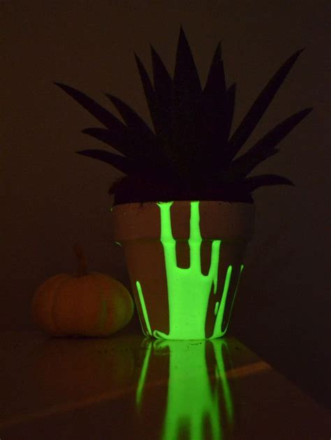Glow In Planters by Glow In The Planter Crafts With