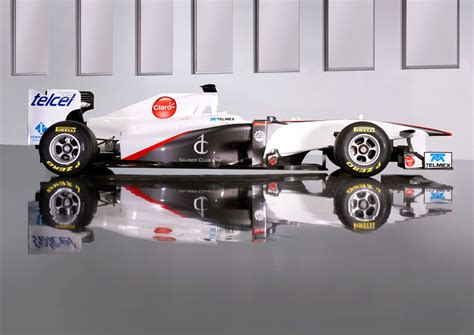 Formula 1 F1 2011 Sauber Launches C30 Their 2011 F1 Car Biser3a