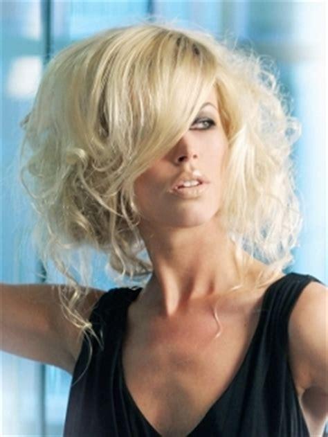 layered hairstyles for widows peak widows peak hairstyles