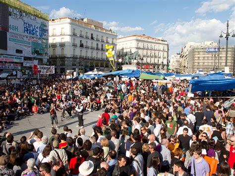 imagenes en movimiento wikipedia movimiento 15 m wikipedia la enciclopedia libre