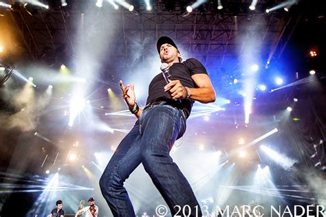 luke bryan performing luke bryan performing at faster horses festival day two at